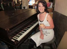 Piano & Zoe, Foundry 1999
